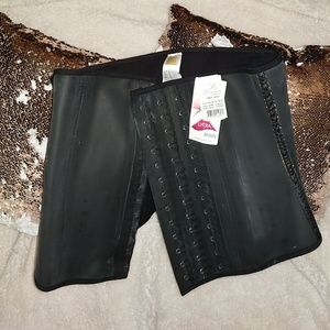 Ann Cherry Lycra Waist Trainer with tags